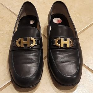 Cole Haan Navy loafers, size 6B